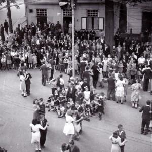 bevrijding Oisterwijk 70 jaar Oisterwijk 71 jaar bevrijd bevrijd herdenkingsplaquette