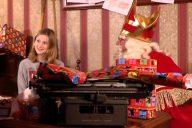 Op bezoek bij Sinterklaas in het pakjesmagazijn